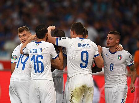 إيطاليا تسحق اليونان وتهيمن مجموعتها