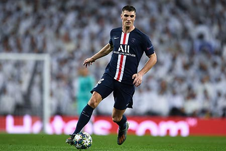 لاعب باريس جيرمان يختار فريقه