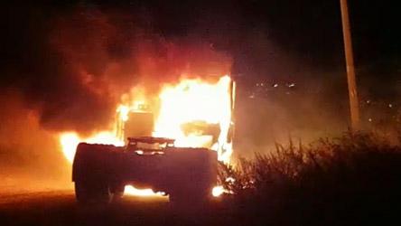 احتراق شاحنة في قرية دير الاسد